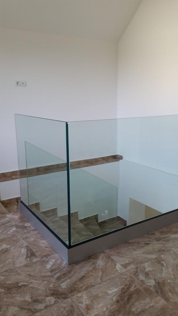 Üvegkorlát