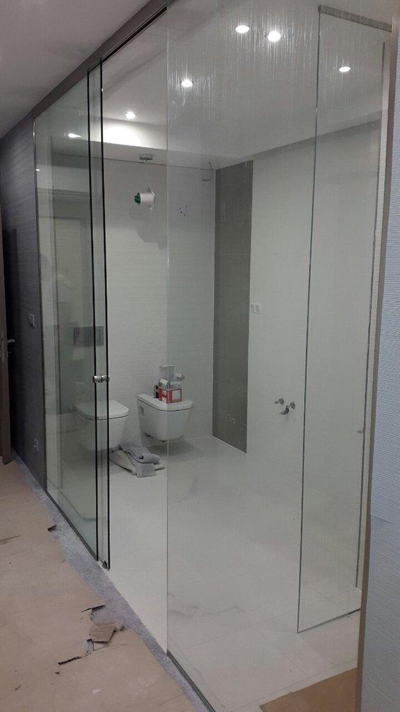 Lapozható üvegfal beépítés