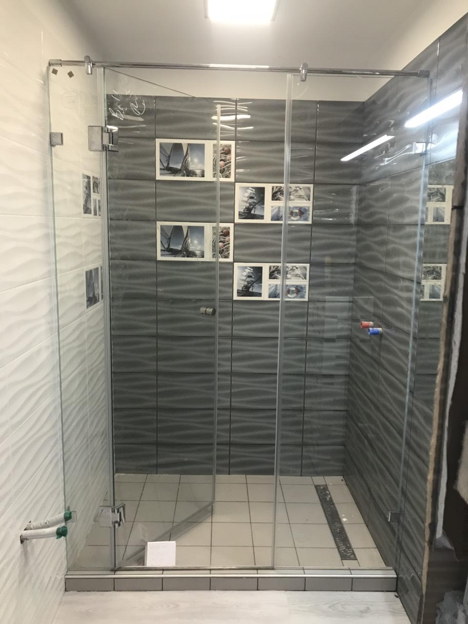 Zuhanyfal ajtós + fix