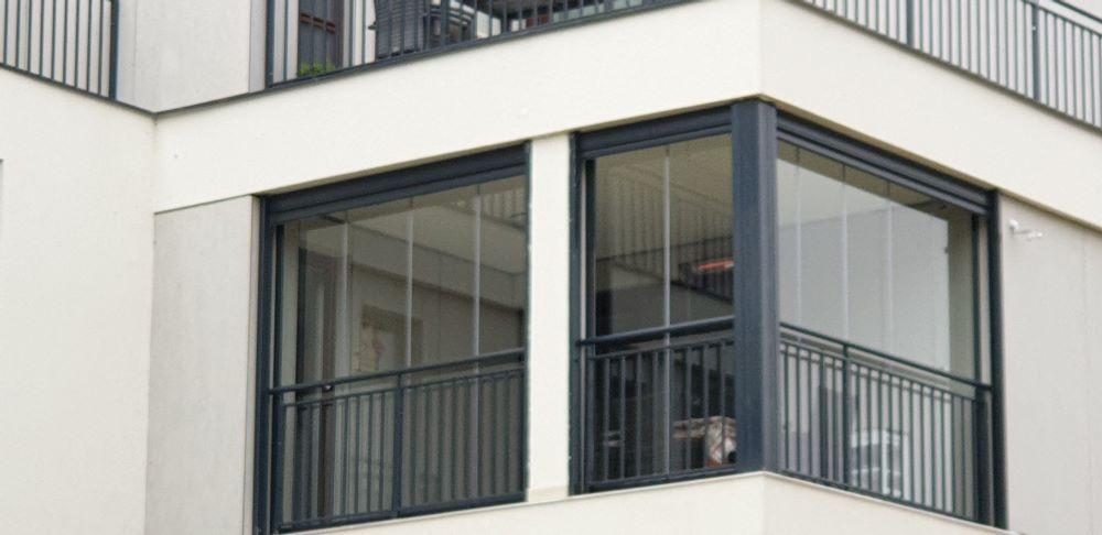 Lapozható üvegfal erkélyre