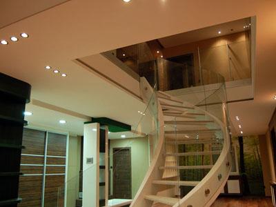 Üvegkorlát hajlítottgyártás