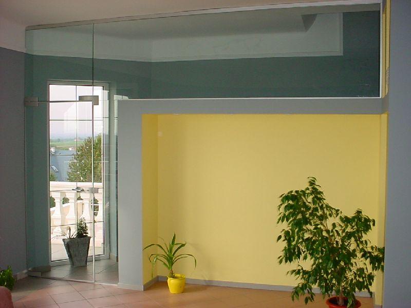 Üvegajtó bevilágító panellal